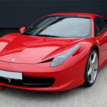 Ferrari 458 Italia - sprint na letišti