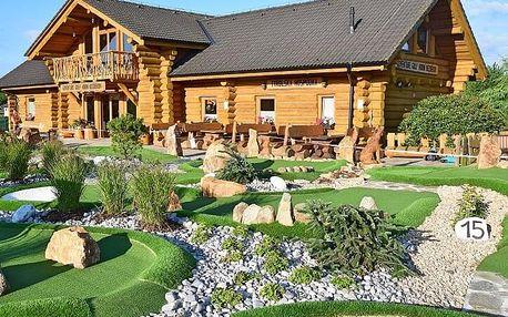 Adventure golf s obědem v Tyrolské hospůdce