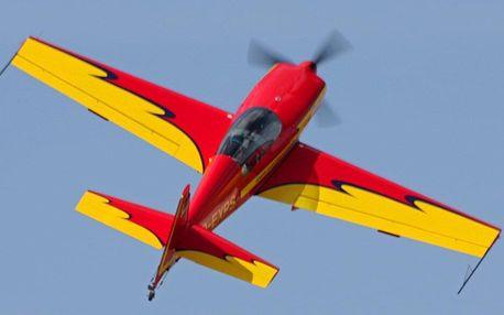 Akrobatický let v Unlimited EXTRA 300L