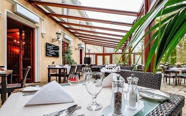 Degustační menu pro 2 v zámecké restauraci   Praha   celoročně   přibližně 2 hodiny2