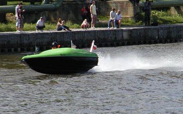 Adrenalinová plavba po Vltavě pro dva | Praha | polovina dubna - listopad | cca 60 minut2