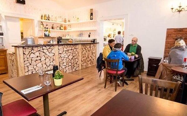 Pravá Itálie – 5chodové menu s lahví vína   Praha   celoročně (NE - ČT v 17:00 a 17:30)   cca 2 hodiny4