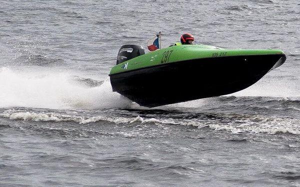 Adrenalinová plavba po Vltavě pro dva