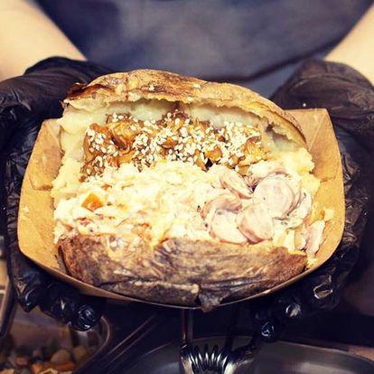 Pečená brambora s náplní dle výběru a domácí limča