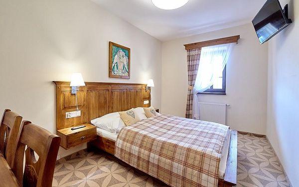 Dvoulůžkový pokoj Standard s manželskou postelí (**)5