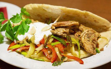 3chodové řecké menu pro dva: omeleta a gyros