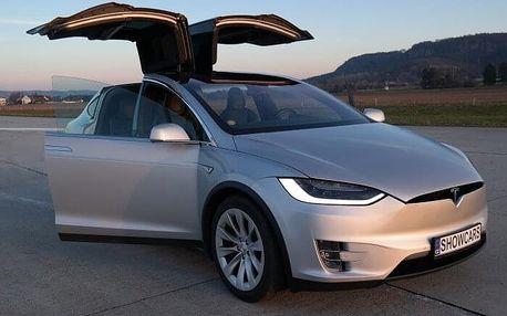 Letištní jízda vozem Tesla X - 40 minut