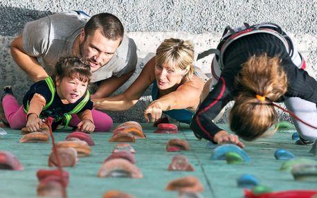 2hod. i celodenní rodinný vstup na lezeckou stěnu