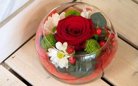 Květinové aranžmá: ve skle nebo v dárkové tašce