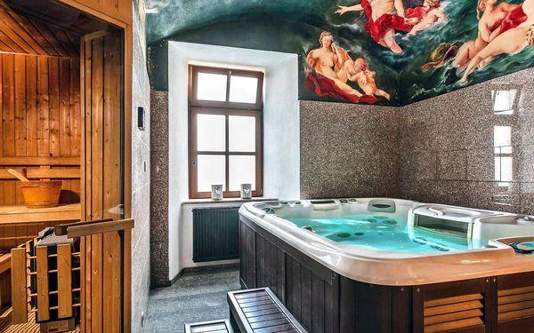 Romantický relax v historické budově: polopenze, zapůjčení kol i lahev vína3