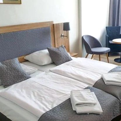 Lipno: Hotel Swing *** jen 300 m od přehrady + bazén, polopenze a 2 děti zdarma