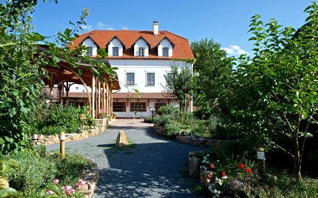 Průhonice: Babiččina Zahrada Penzion & Restaurant