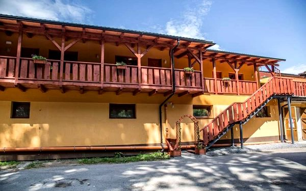 Pravá westernová péče s privátním wellness pro DVA na penzionu ranč Bučiska v lázeňském městě Rožnov pod Radhoštěm2