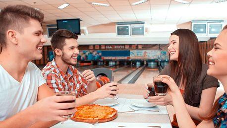 Hodina bowlingu pro partu a pizza či ledový čaj