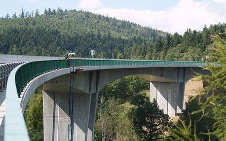 Bungee jumping Chomutov - skok z nejvyššího mostu v ČR