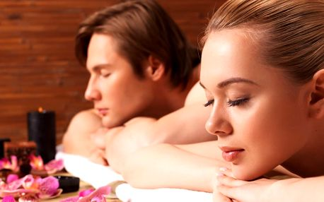 Aroma olejová masáž z rukou rodilých Thajek