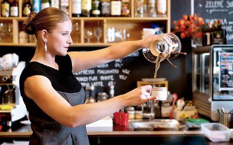 Káva a dezert v kavárně Black Box Cafe