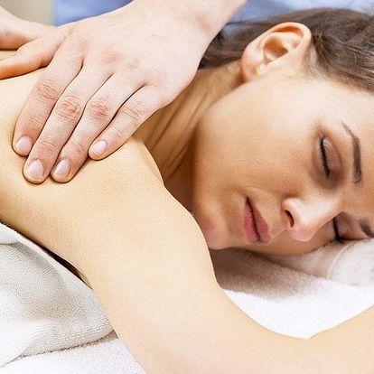 Klasická masáž zad a šíje s aroma olejem dle výběru
