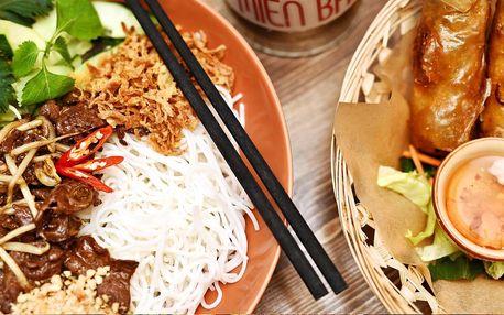 Vietnamské Bún bò Nam Bộ a křupavé závitky