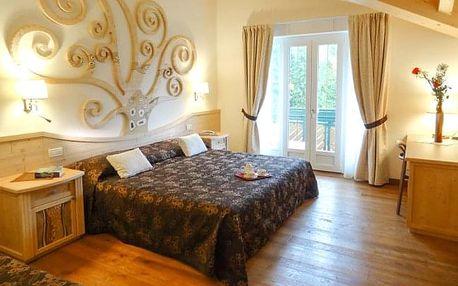 Itálie: Hotel alle Dolomiti **** u jezera na 6 dní s polopenzí a bazénem