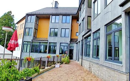 Lipno: Hotel se soukromou pláží a posilovnou + polopenze a děti do 5,9 let zdarma