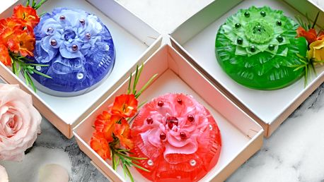 Ručně vyřezávaná dekorativní mýdla v dárkové krabičce