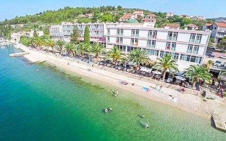 Chorvatsko v Hotelu Posejdon *** přímo na pláži s all inclusive a bazénem