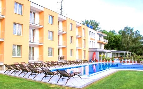 Hotel Korekt *** u přehrady Sĺňava s polopenzí a bazénem + 2 děti zdarma