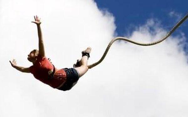 Bungee jumping | Písek | od poloviny května – konec září | 30 minut3