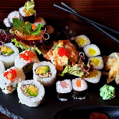 Sushi hody blízko centra Brna: 29 nebo 51 kousků