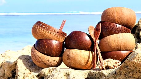 Přírodní kokosové misky a příbory z Bali