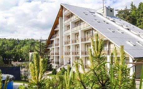 Bílé Karpaty v Hotelu Radějov **** s polopenzí a minigolfem + vířivka neomezeně