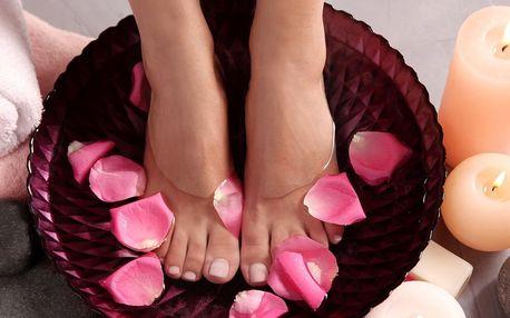Wellness mokrá pedikúra s možností lakování