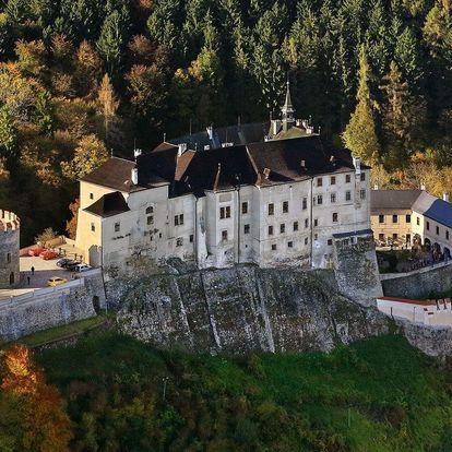 Parkhotel Český Šternberk přímo pod hradem s polopenzí