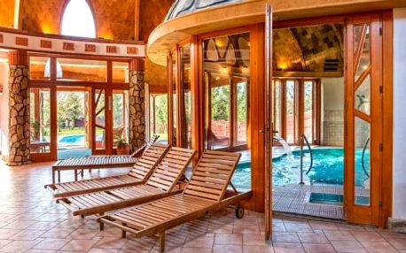 Bük: Hotel Piroska **** s neomezeným wellness, polopenzí i vstupem do lázní