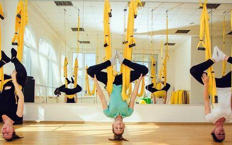 Lekce fly yogy - úžasného vzdušného cvičení