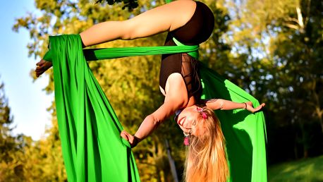 Lekce aerial silks či aerial hoop