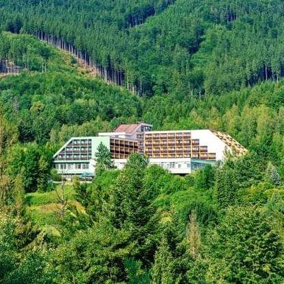 Beskydy v oblíbeném Hotelu Petr Bezruč *** s polopenzí, bazénem a slevami