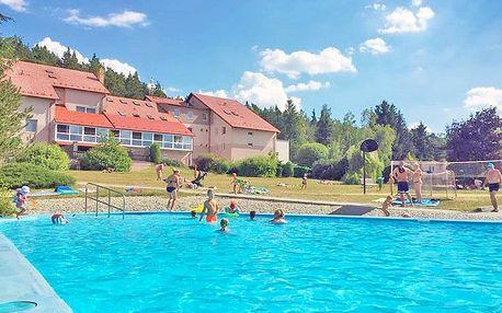 Střední Čechy v oblíbeném hotelu s all inclusive nebo polopenzí + varianta s wellness