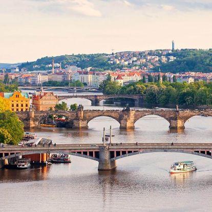 Křišťálová večeře na lodi v Praze pro dvě osoby