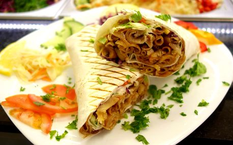 Kebab v tortille nebo chlebu i box s hranolky