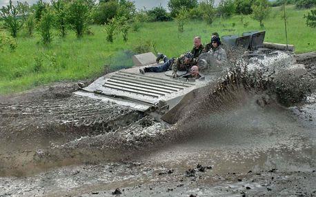 Jízda v transportéru + střelba z Kalašnikova