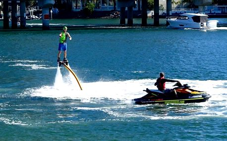 Flyboard - létejte nad vodní hladinou