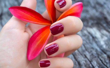 Upravené nehty: manikúra, P-Shine, lak či Shellac