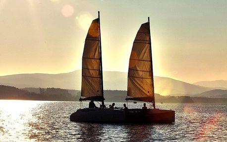 Lipno: 2hodinová plavba na katamaránu s výcvikem