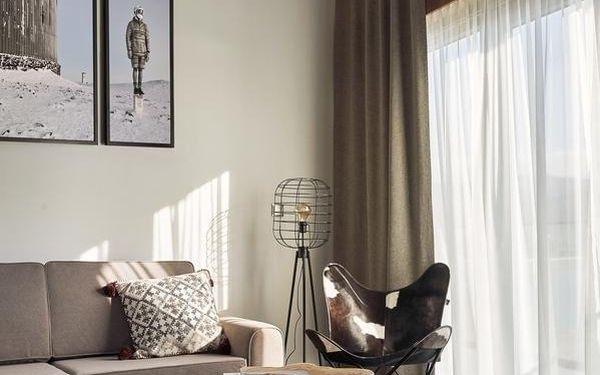 Dvoulůžkový pokoj s manželskou postelí a balkonem3
