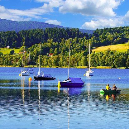 Léto na břehu Lipna s polopenzí a bazénem v Hotelu Swing ***