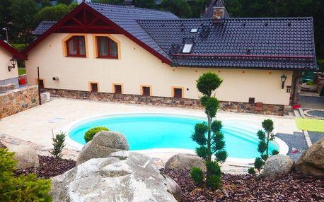 Zámeček Kaliště u řeky Sázavy s polopenzí a venkovním bazénem