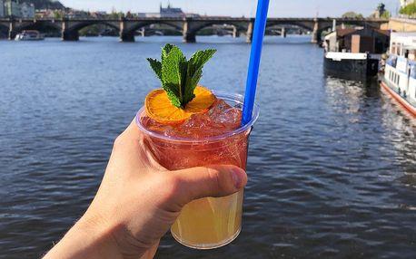 Koktejly na náplavce: limonáda i míchaný drink