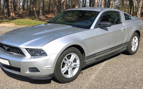 Legendární Ford Mustang na den i na víkend